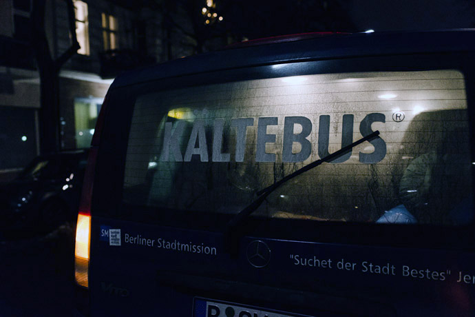028-imgegenteil_Kältebus-Berlin