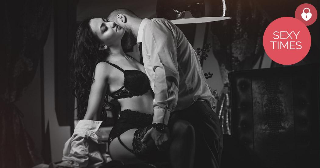 Büro ohne höschen ins Sexy Sekretärin